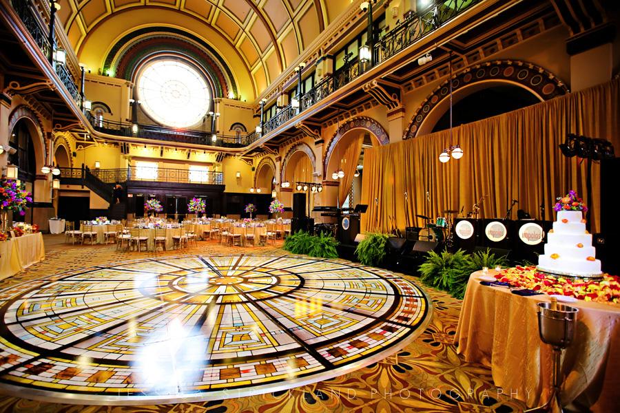 Kristen_Tim_Union_Station_Indianapolis_Wedding