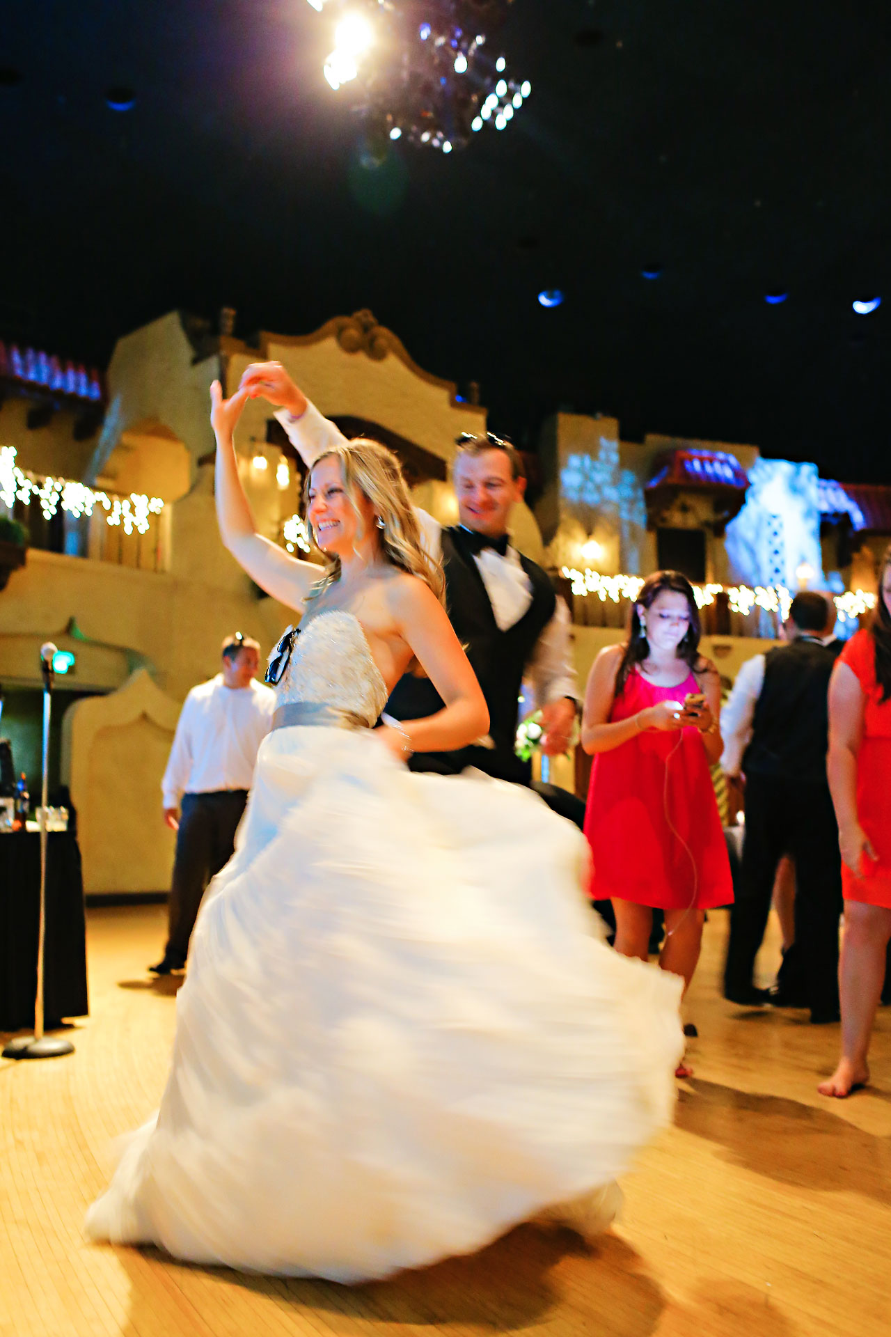 Moey Drew Indiana Roof Ballroom Wedding 257
