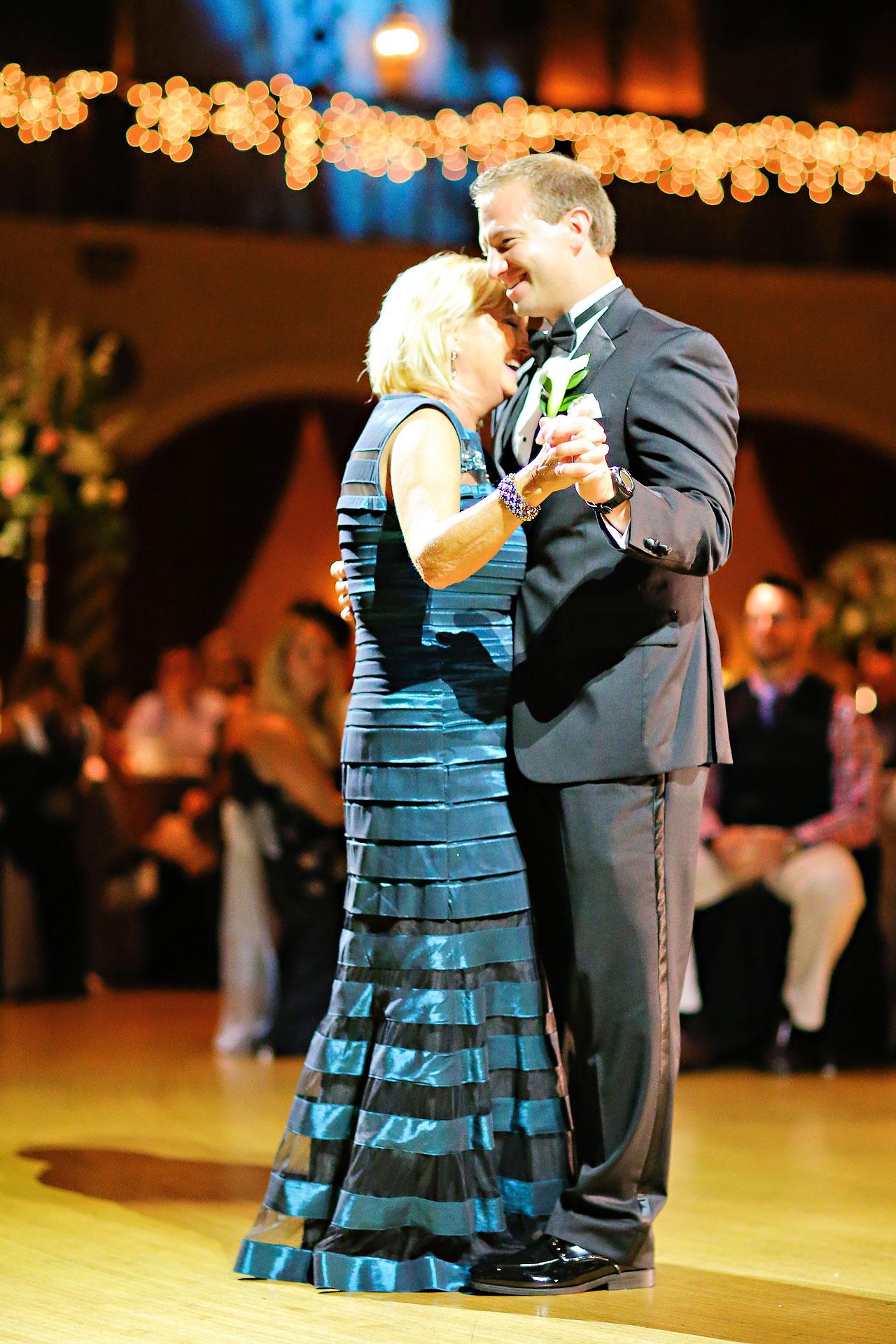 Moey Drew Indiana Roof Ballroom Wedding 226