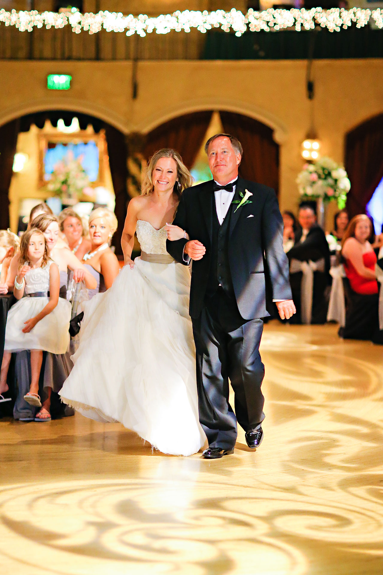 Moey Drew Indiana Roof Ballroom Wedding 227