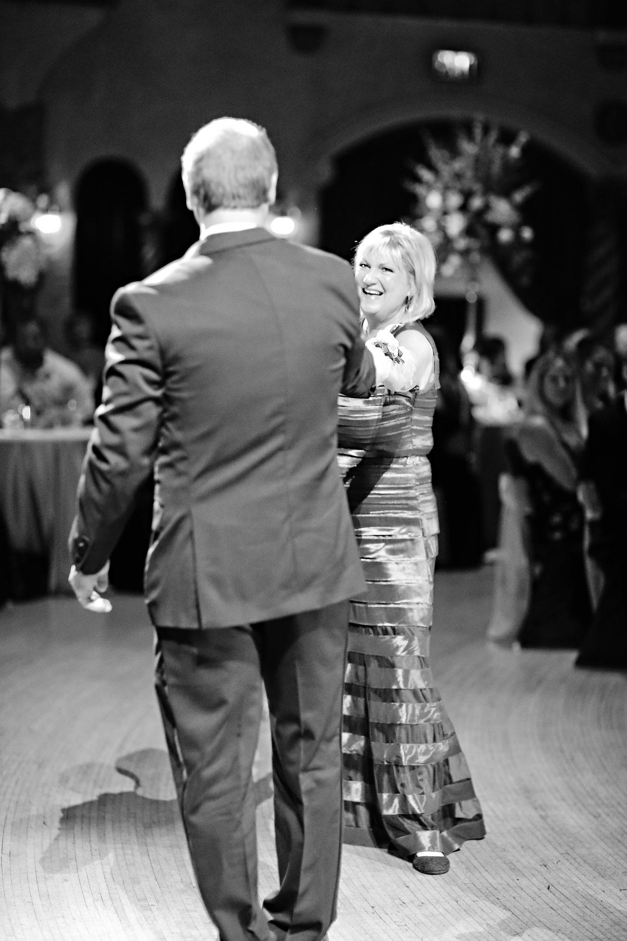 Moey Drew Indiana Roof Ballroom Wedding 224