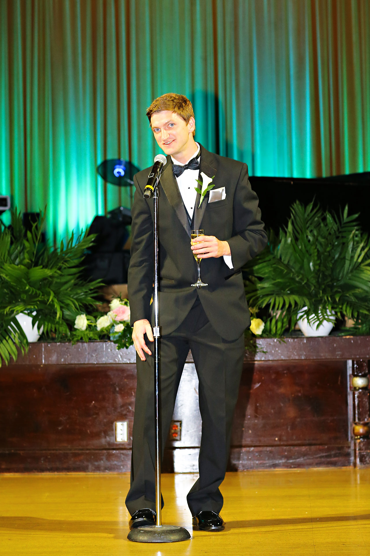 Moey Drew Indiana Roof Ballroom Wedding 209