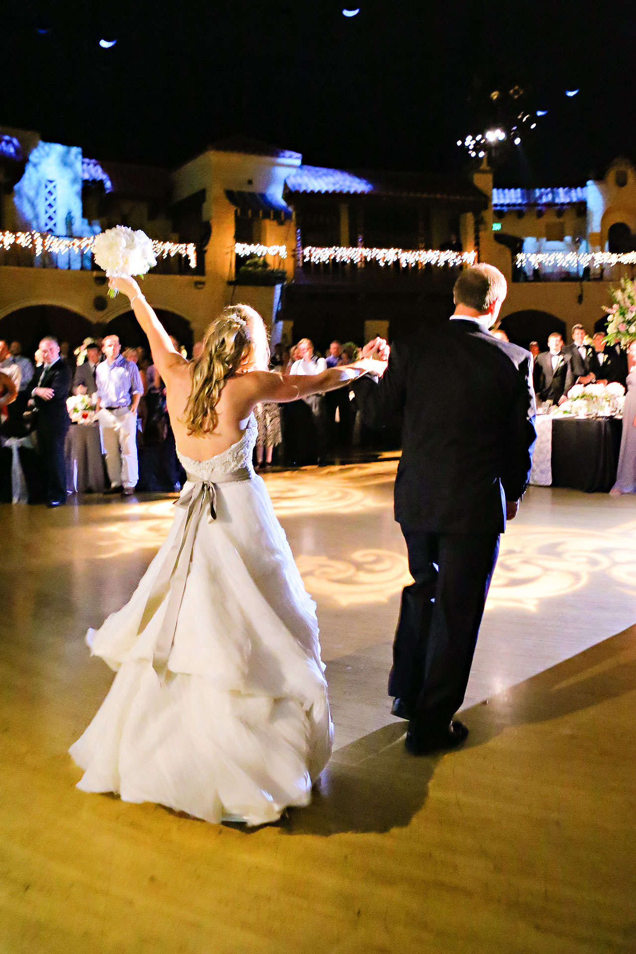 Moey Drew Indiana Roof Ballroom Wedding 202