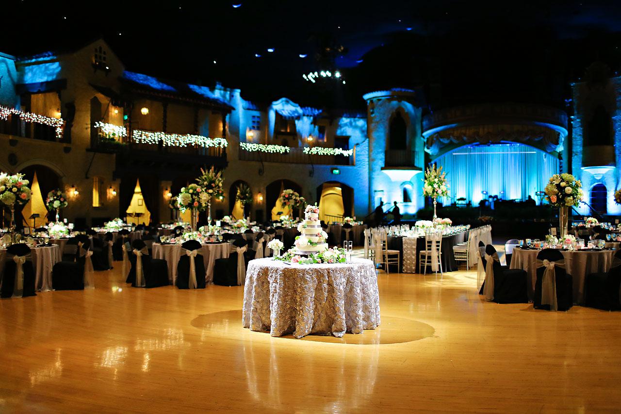 Moey Drew Indiana Roof Ballroom Wedding 182