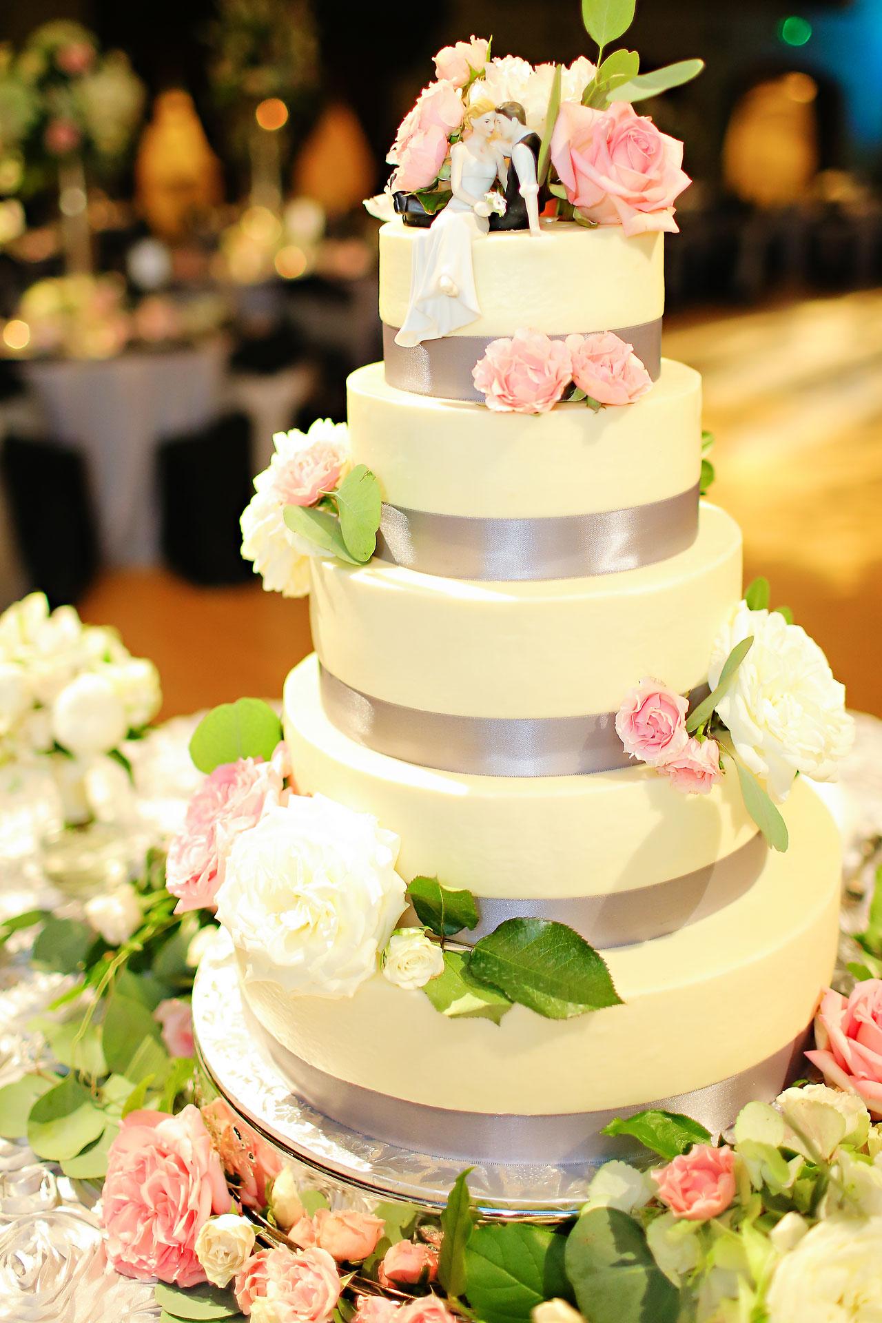 Moey Drew Indiana Roof Ballroom Wedding 173