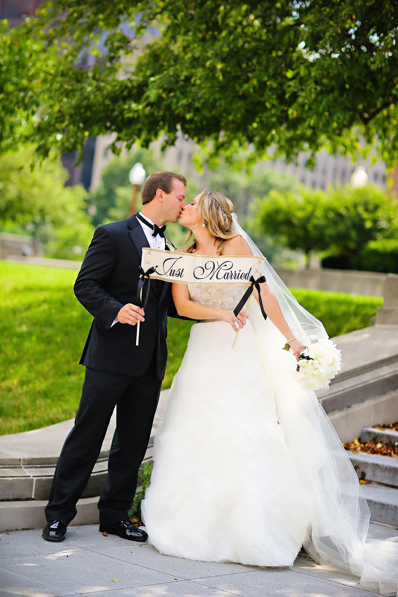 Moey Drew Indiana Roof Ballroom Wedding 118