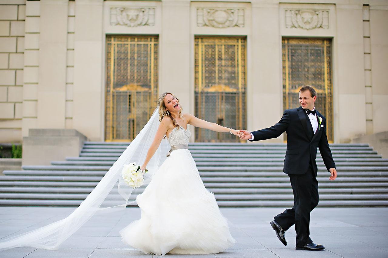 Moey Drew Indiana Roof Ballroom Wedding 115