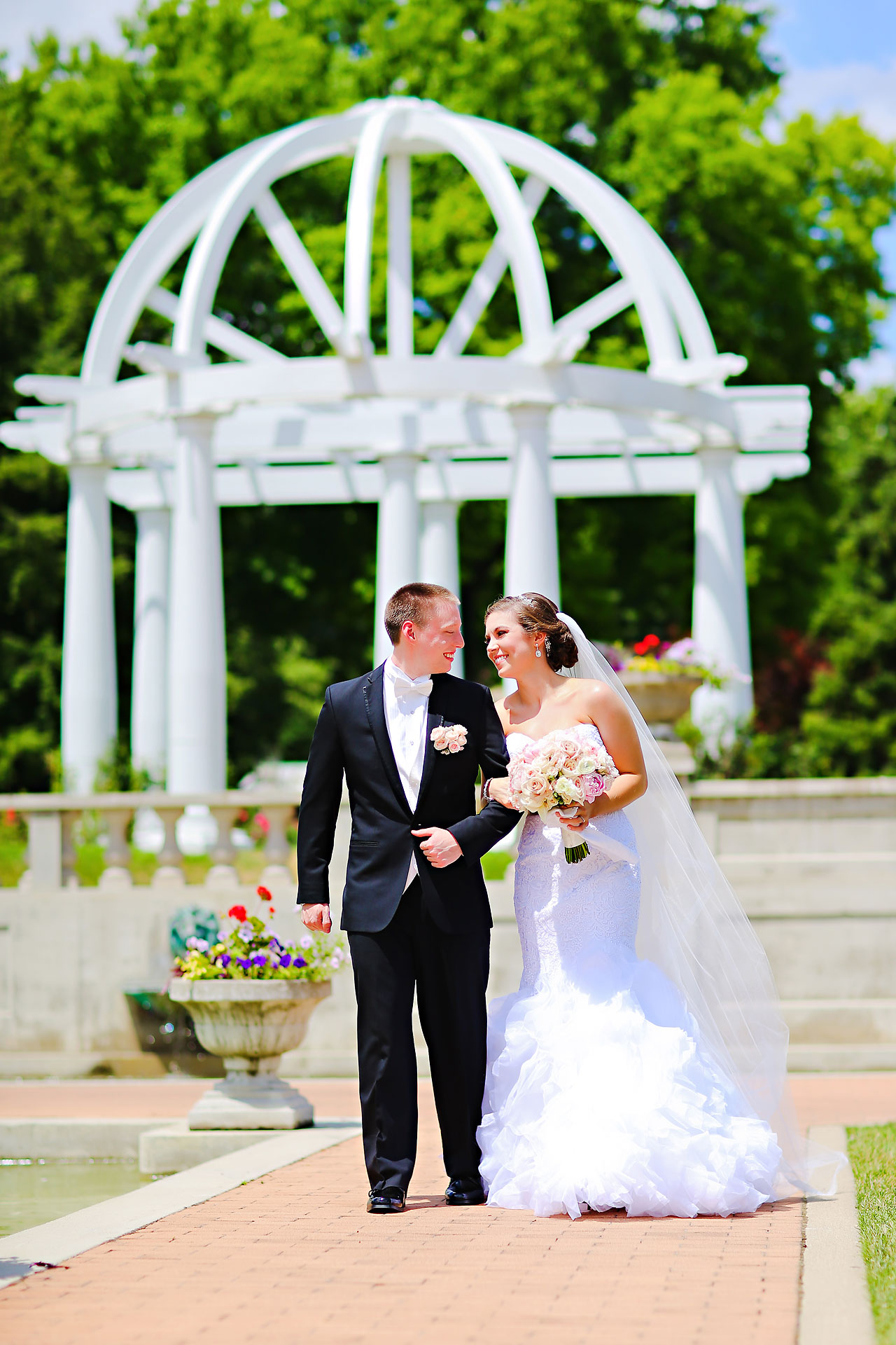 Emmy Benji Emyprean Fort Wayne Wedding 080