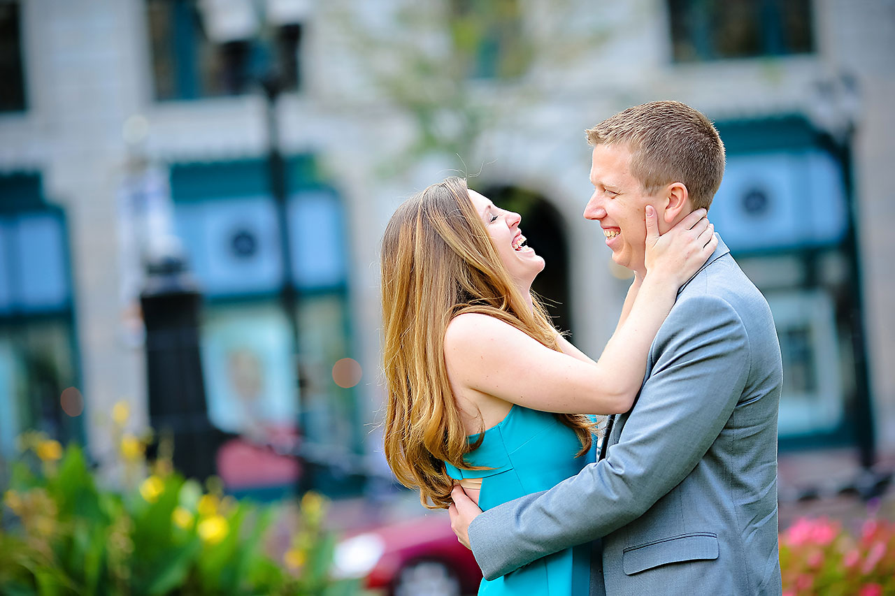 Chelsea Jeff Downtown Indy Engagement Session 020