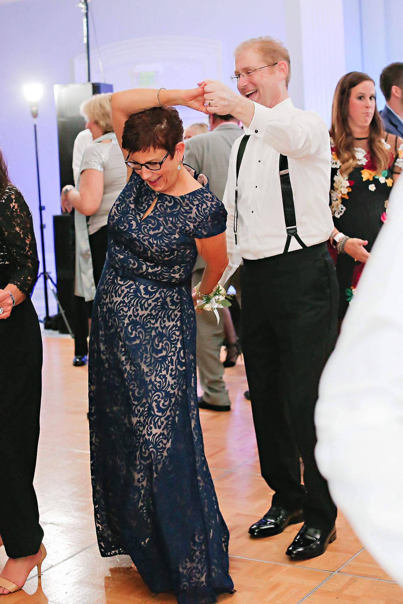 Kaitlin Garret Columbia Club Indianapolis Wedding 347