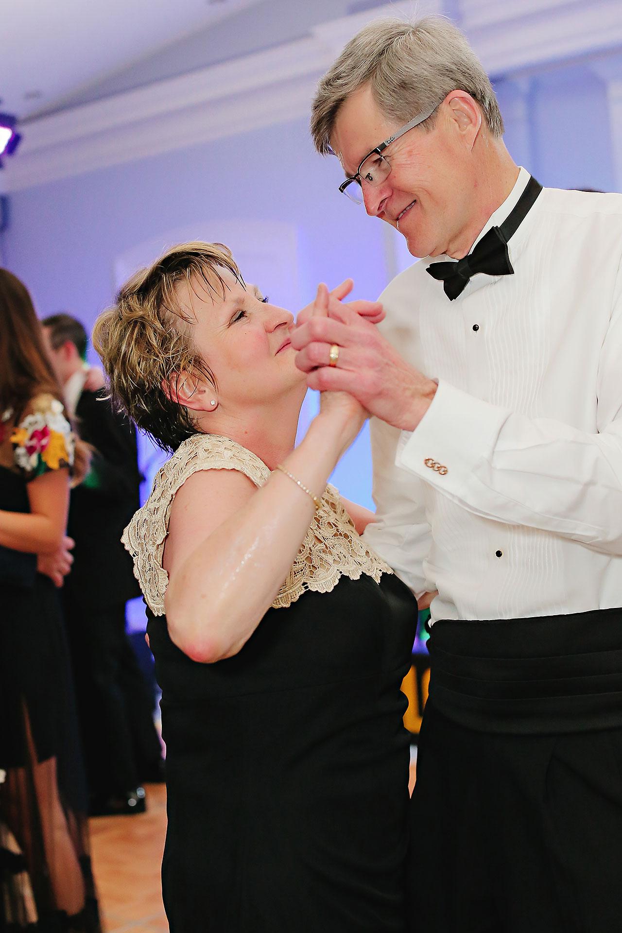 Kaitlin Garret Columbia Club Indianapolis Wedding 344