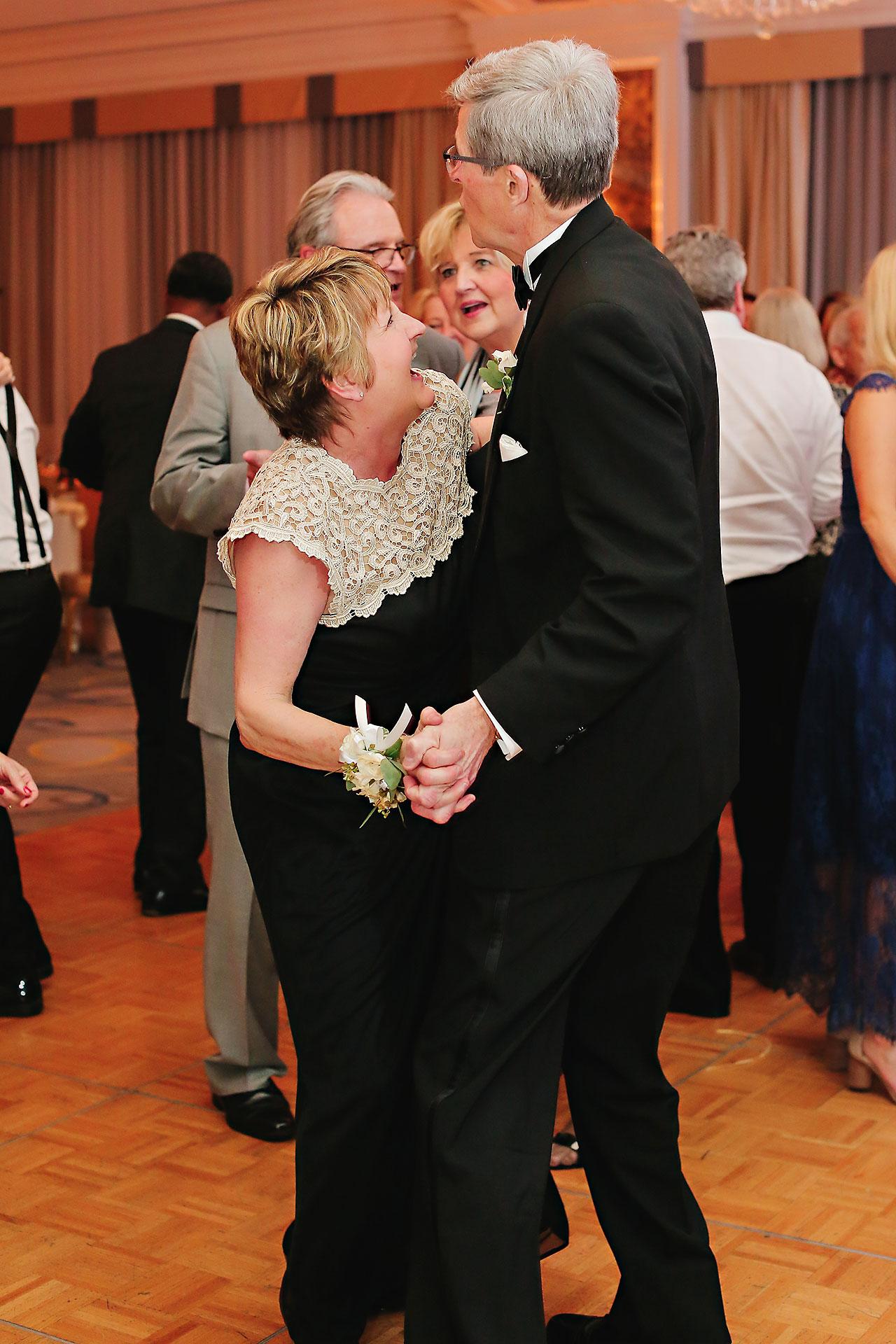Kaitlin Garret Columbia Club Indianapolis Wedding 321