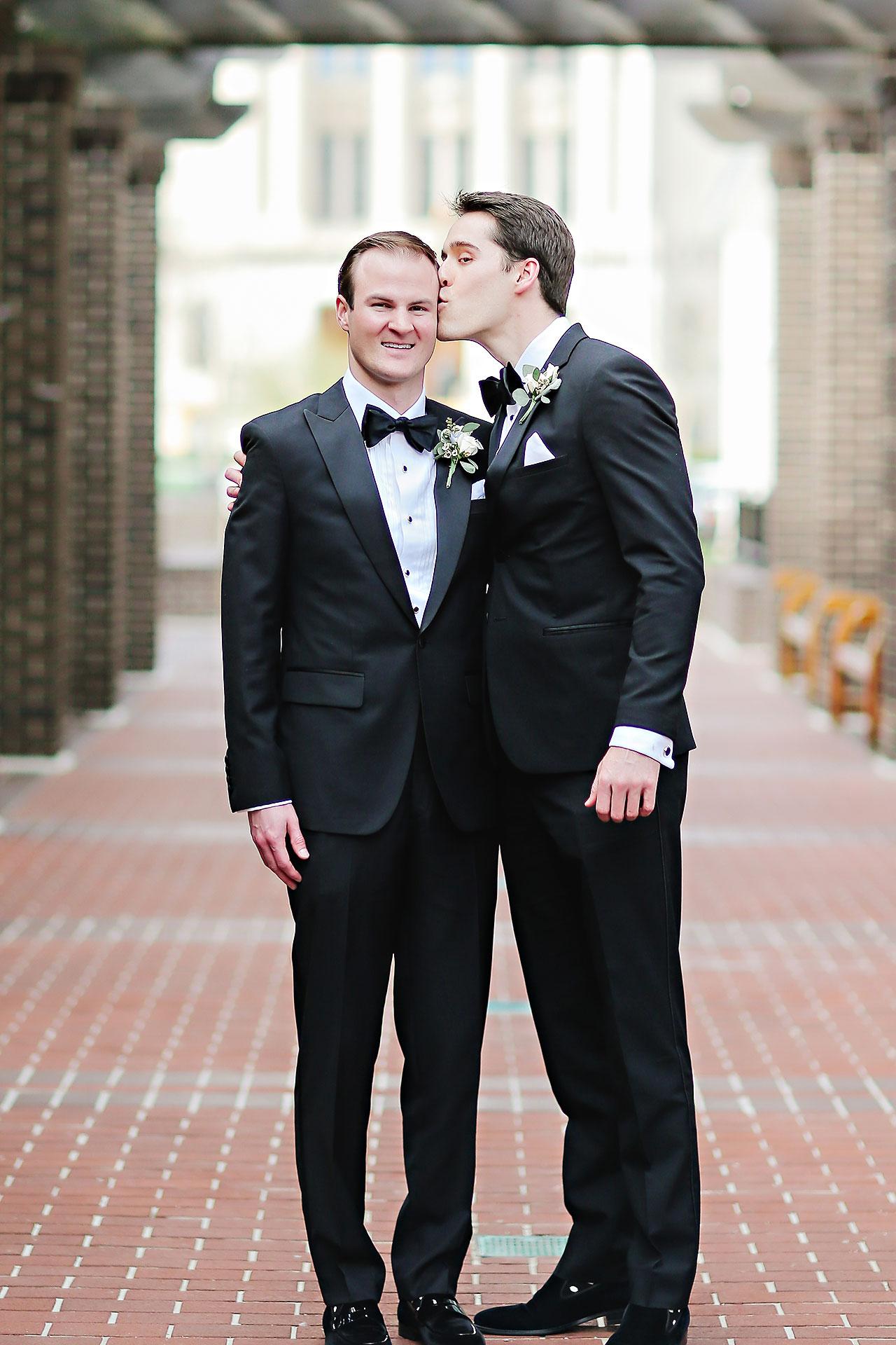 Kaitlin Garret Columbia Club Indianapolis Wedding 106