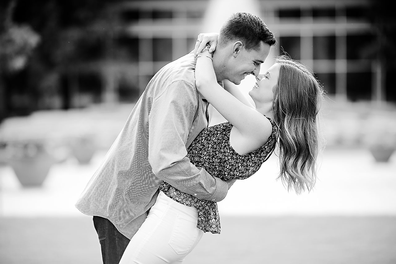 Erin Grant Indianpolis Museum of Art Newfields Engagement Session 067