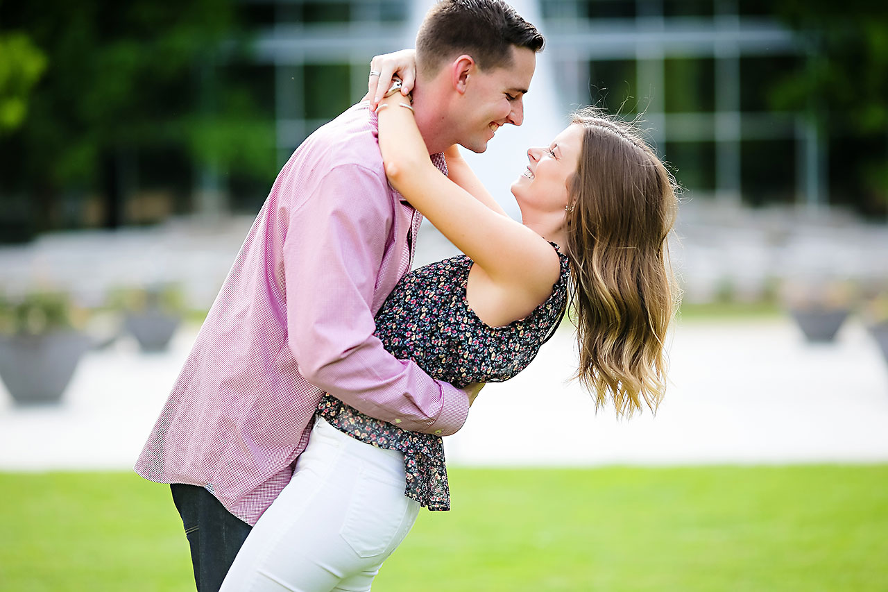 Erin Grant Indianpolis Museum of Art Newfields Engagement Session 010