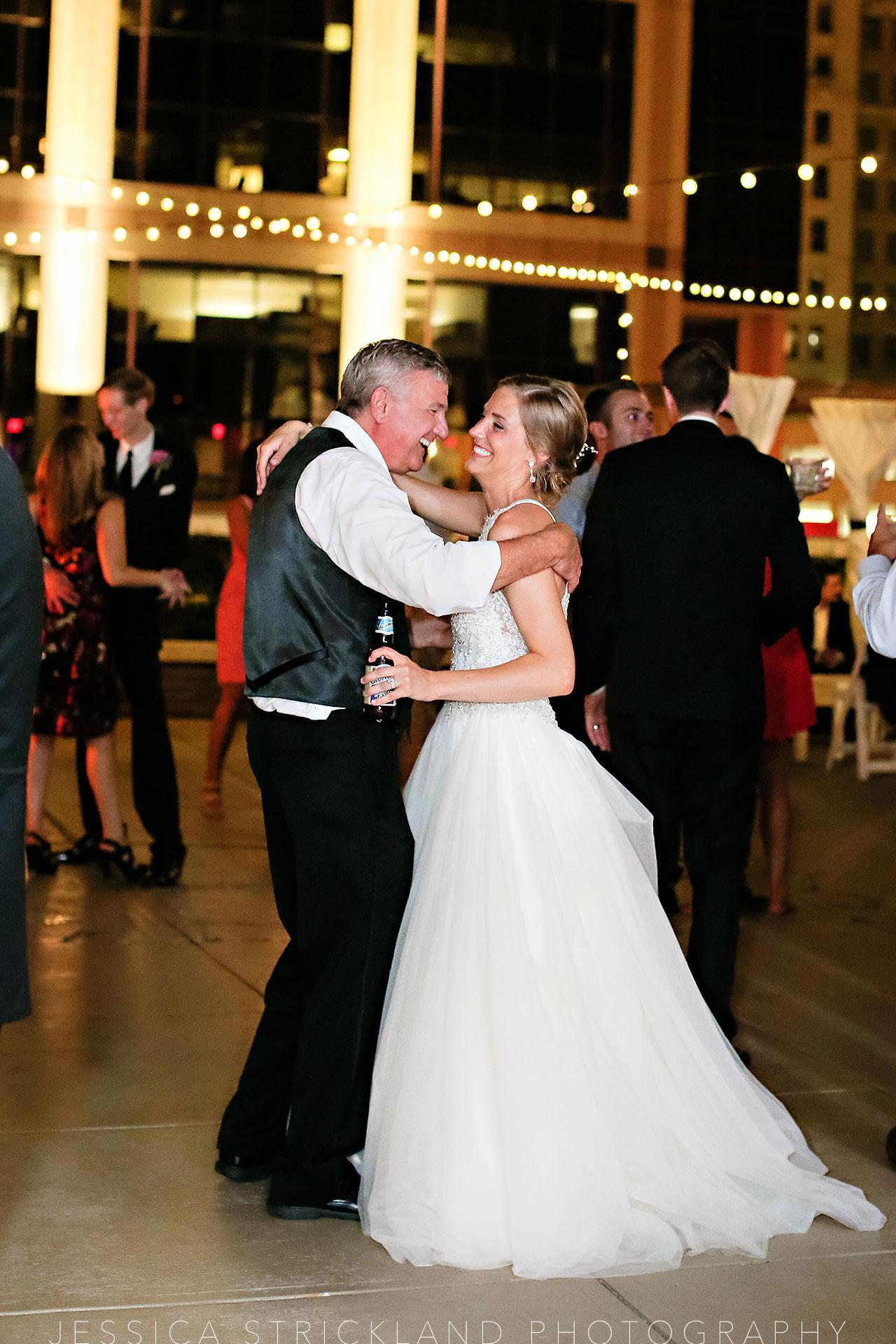 Serra Alex Regions Tower Indianapolis Wedding 413 watermarked