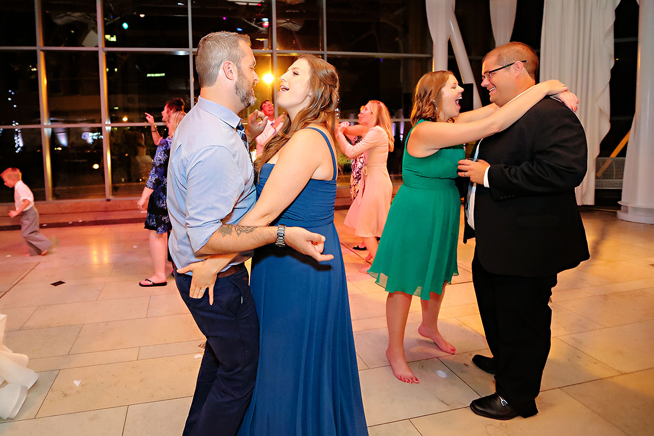 Erin John Artsgarden Indianapolis Wedding 414