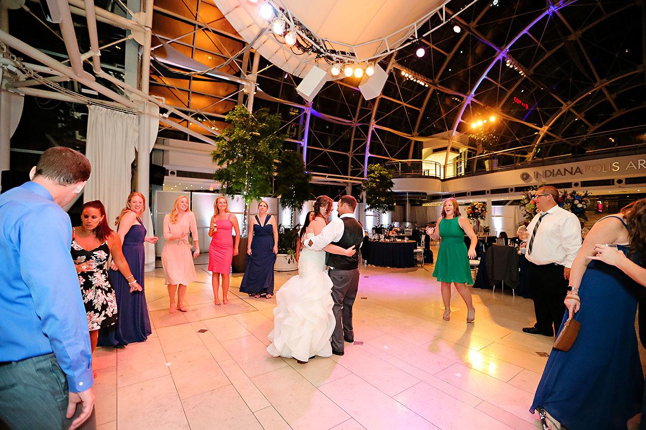 Erin John Artsgarden Indianapolis Wedding 404
