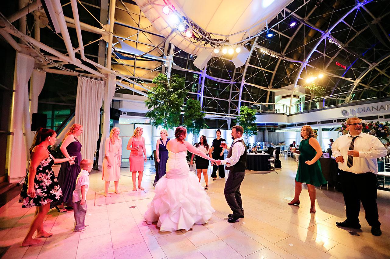 Erin John Artsgarden Indianapolis Wedding 405