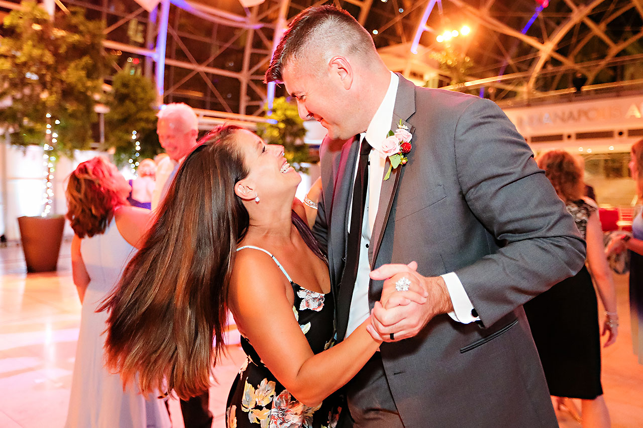 Erin John Artsgarden Indianapolis Wedding 379