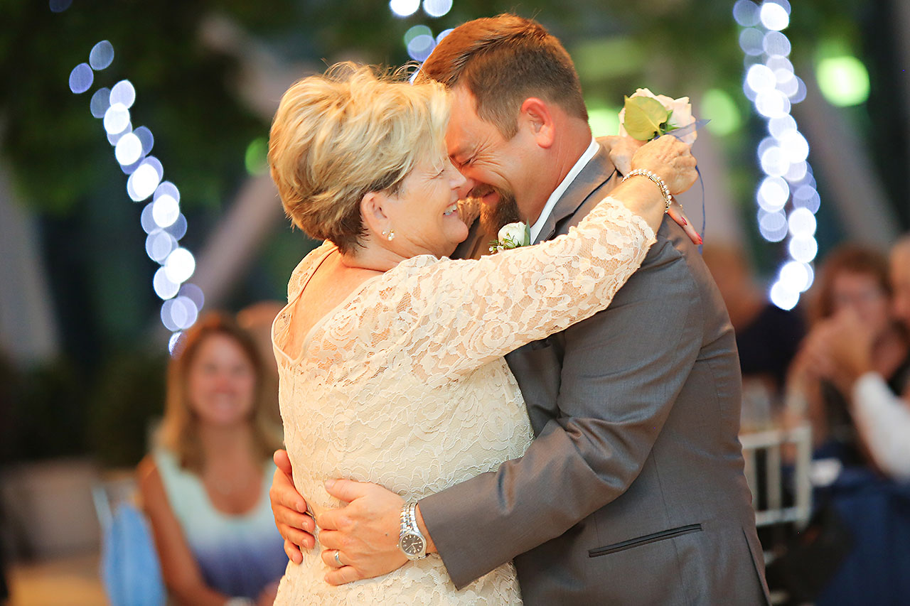 Erin John Artsgarden Indianapolis Wedding 341