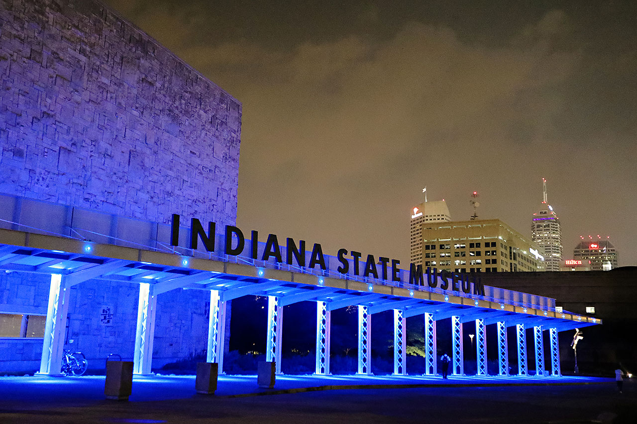 Kim Mike Indiana State Museum Wedding 370