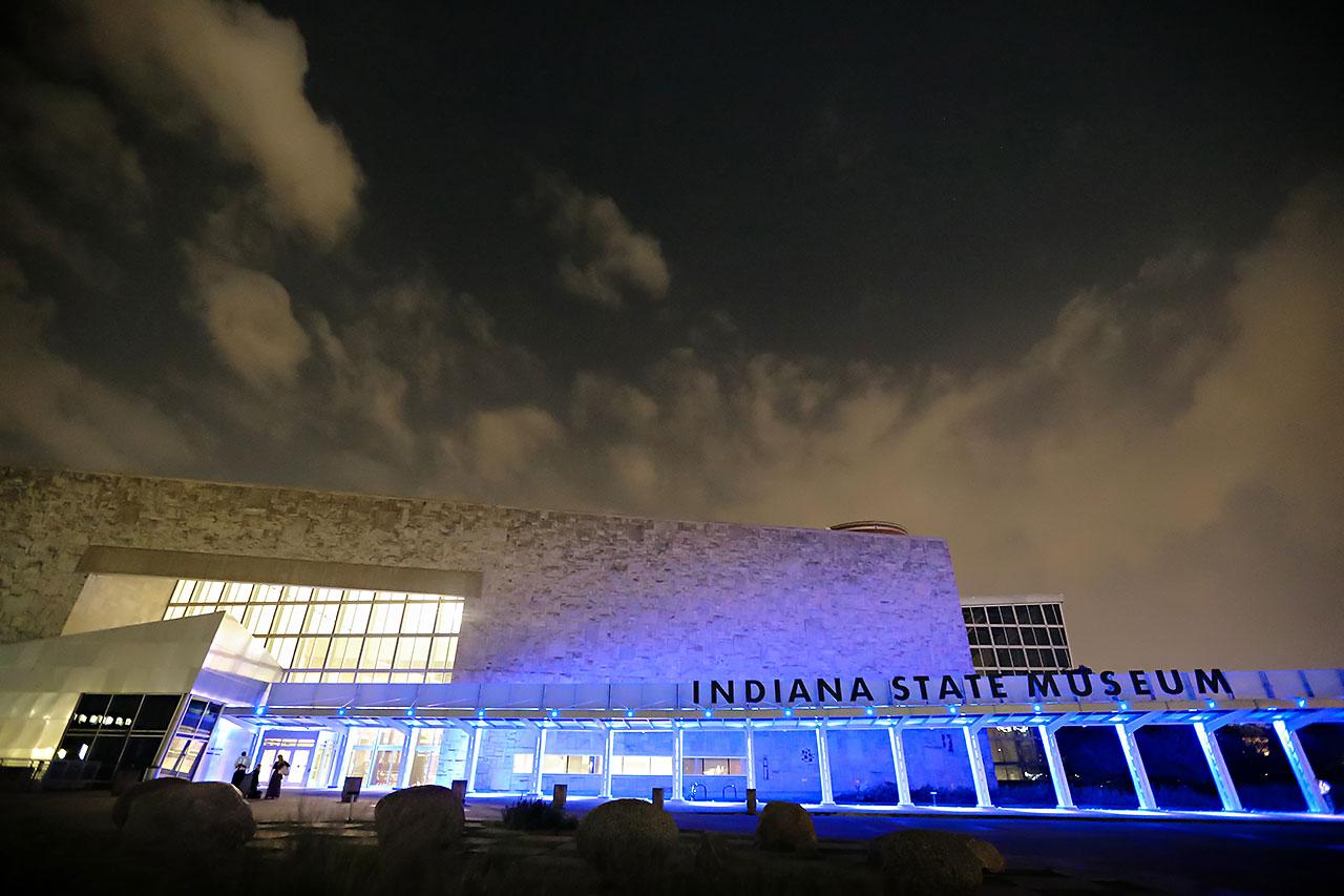 Kim Mike Indiana State Museum Wedding 360