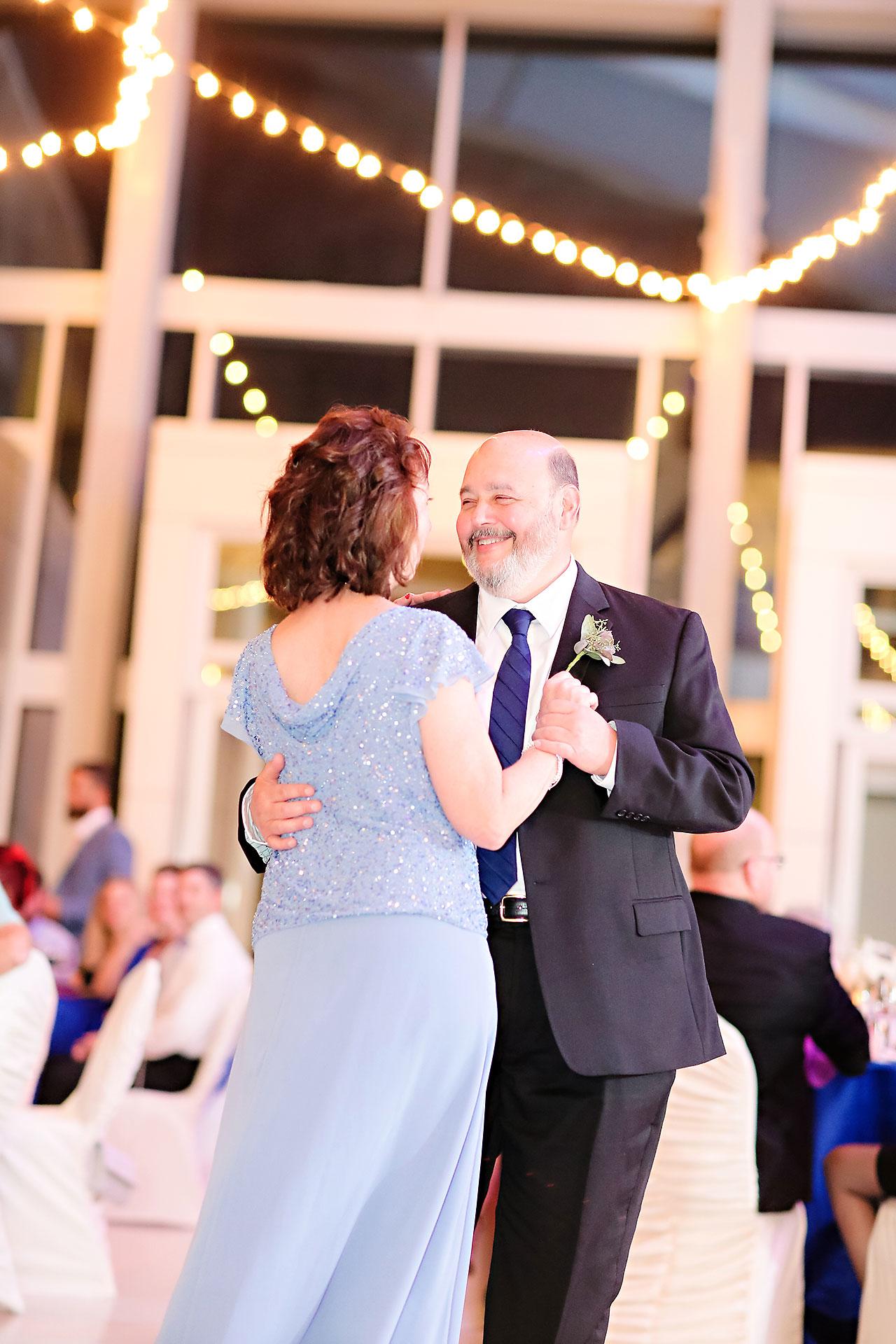 Kim Mike Indiana State Museum Wedding 301