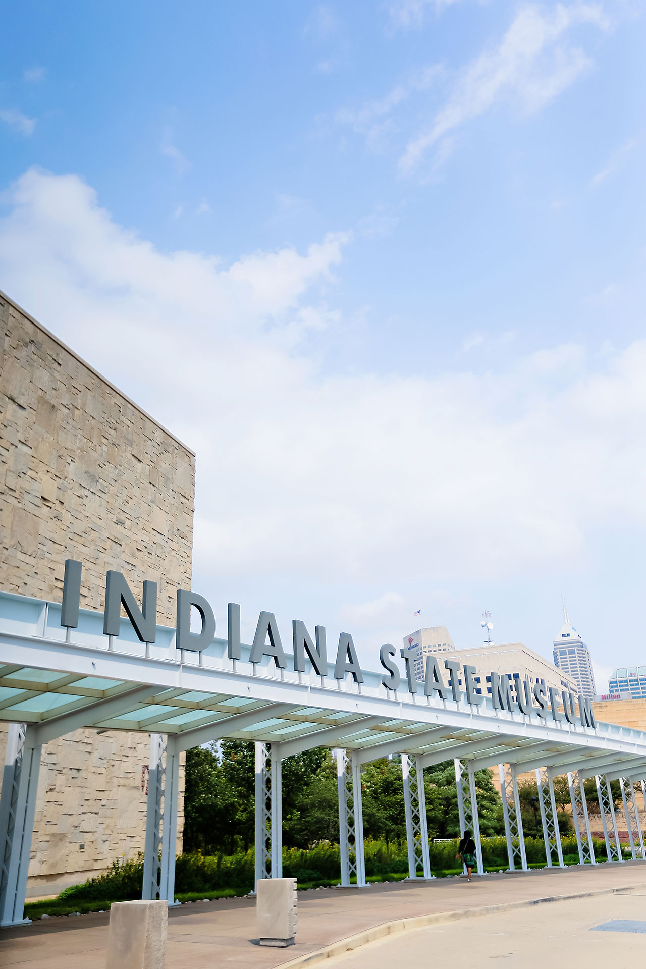 Kim Mike Indiana State Museum Wedding 111