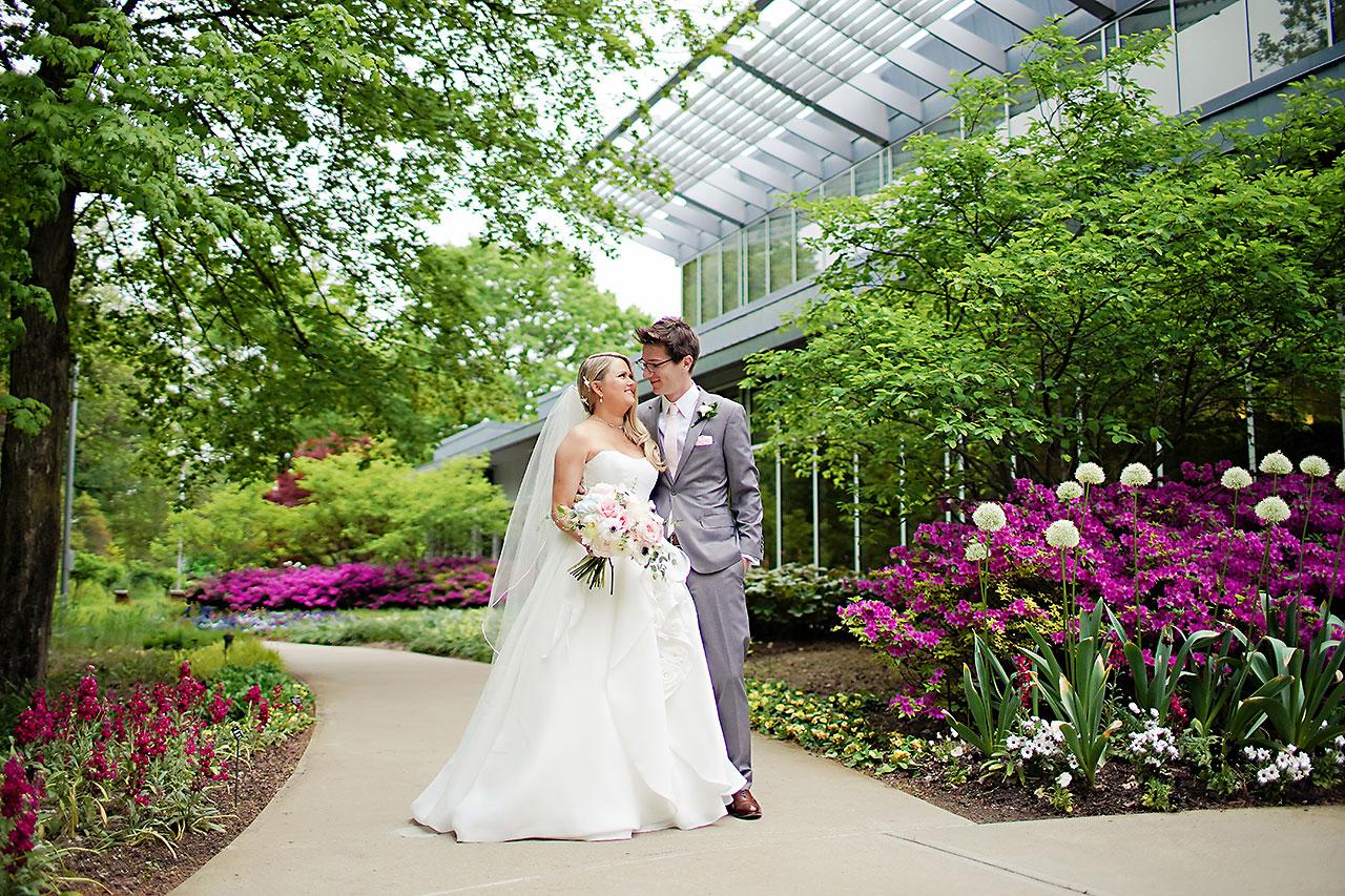 Lauren Andy Newfields Indianapolis Museum of Art Wedding 091