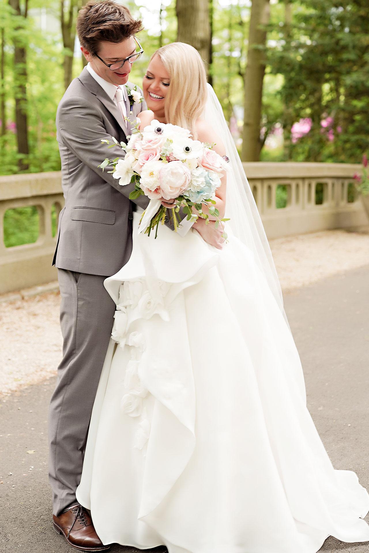 Lauren Andy Newfields Indianapolis Museum of Art Wedding 043