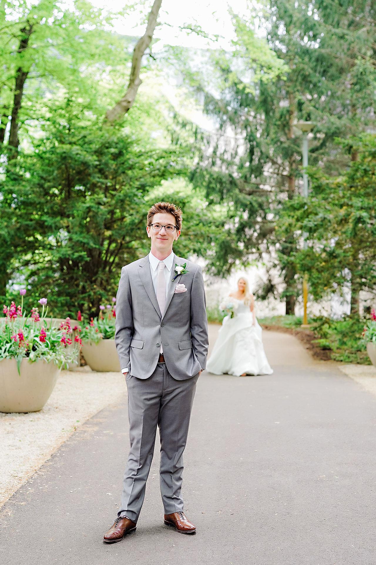 Lauren Andy Newfields Indianapolis Museum of Art Wedding 037