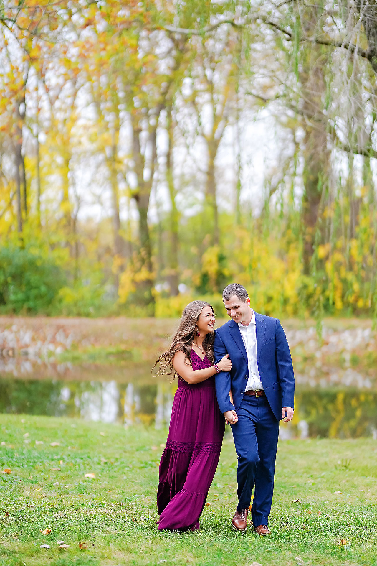 Sarah Andrew Holcomb Gardens Zionsville Engagement Session 056