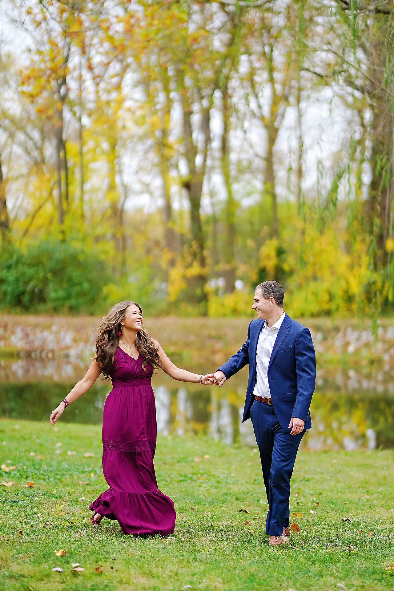 Sarah Andrew Holcomb Gardens Zionsville Engagement Session 019