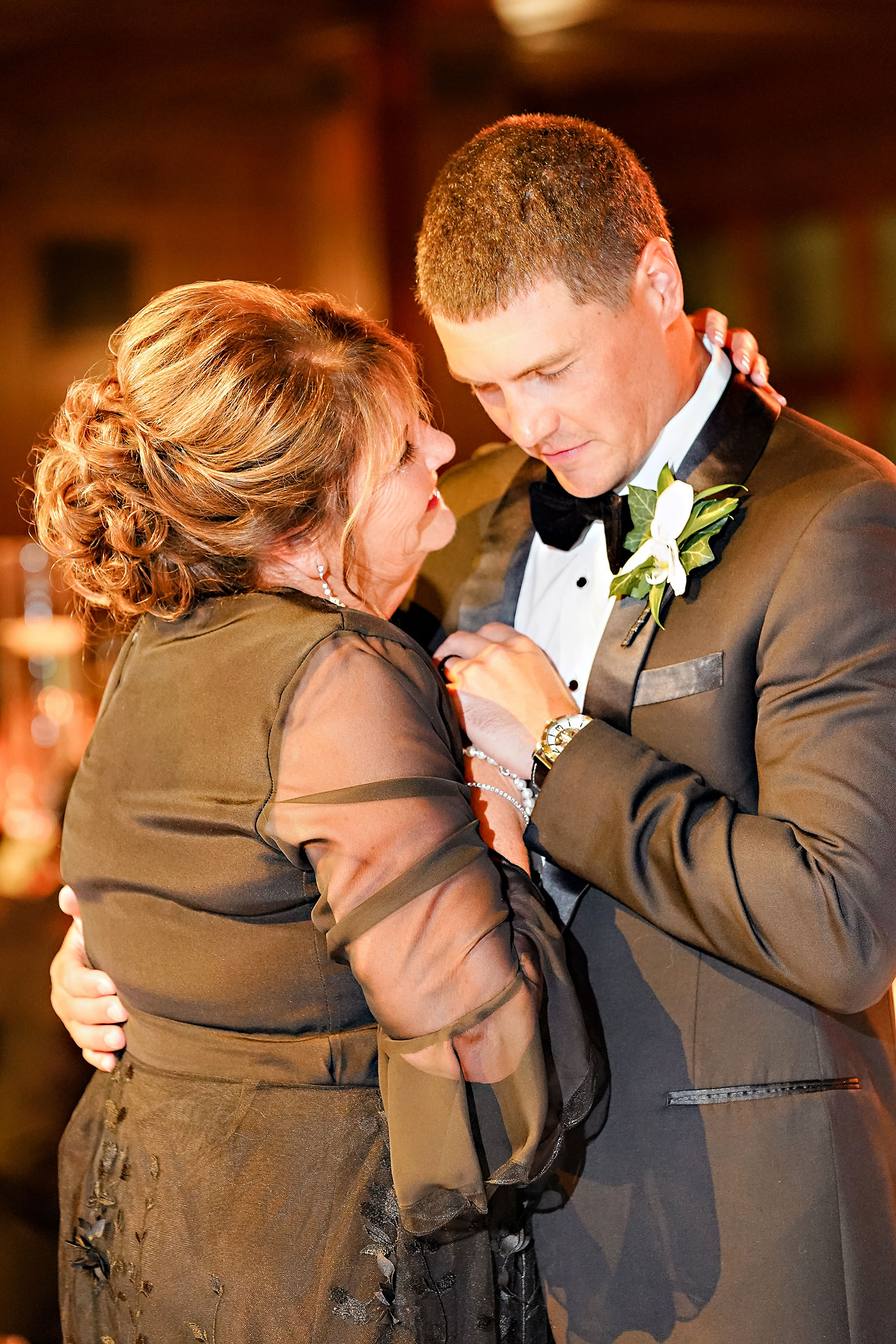 Julie Jonathan St Johns Scottish Rite Cathedral Indianapolis Wedding 309