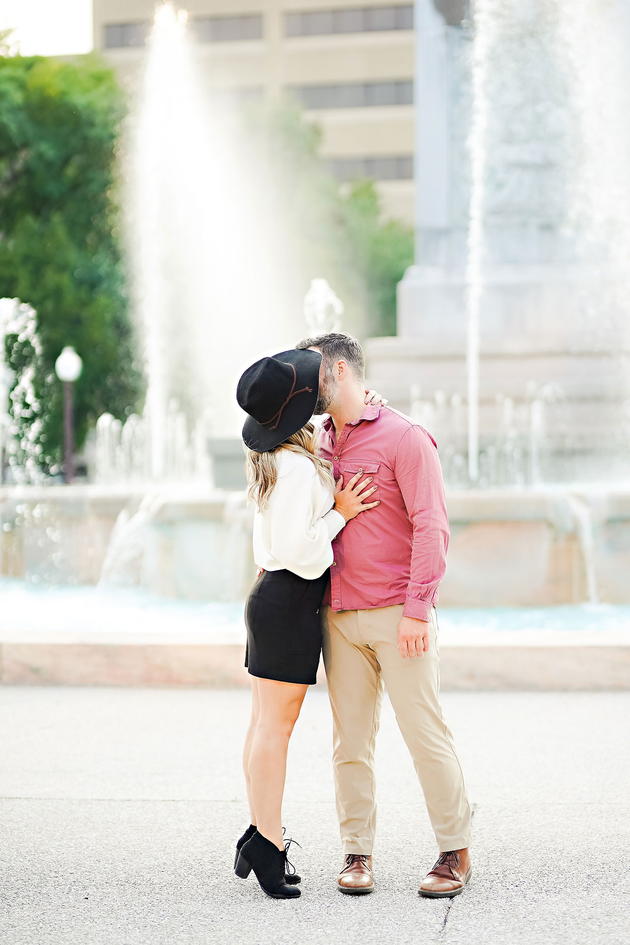 Kendall Jake Downtown Indianapolis Engagement Session 070