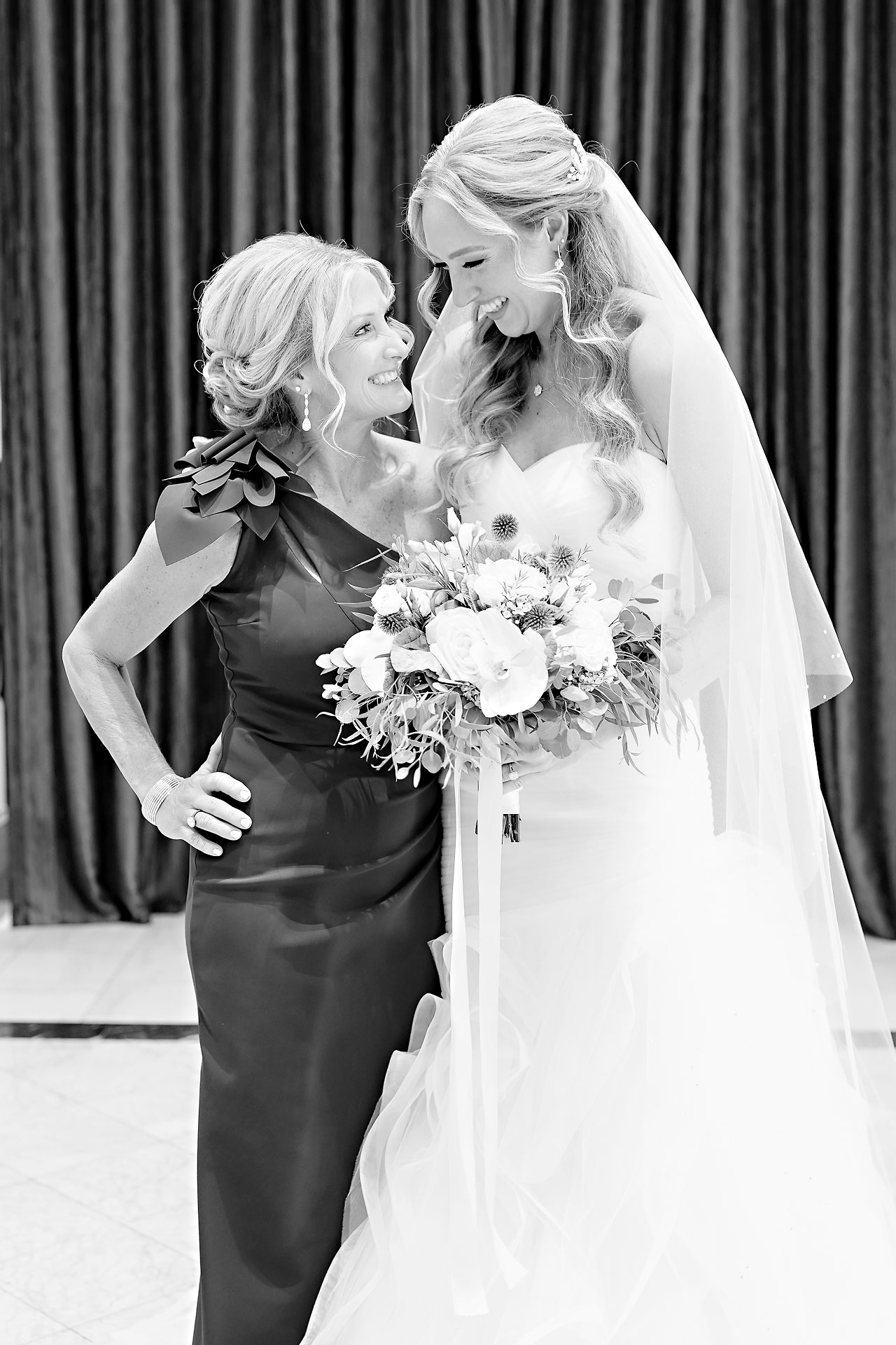Liz Zach Conrad Artsgarden Indianapolis Wedding 027